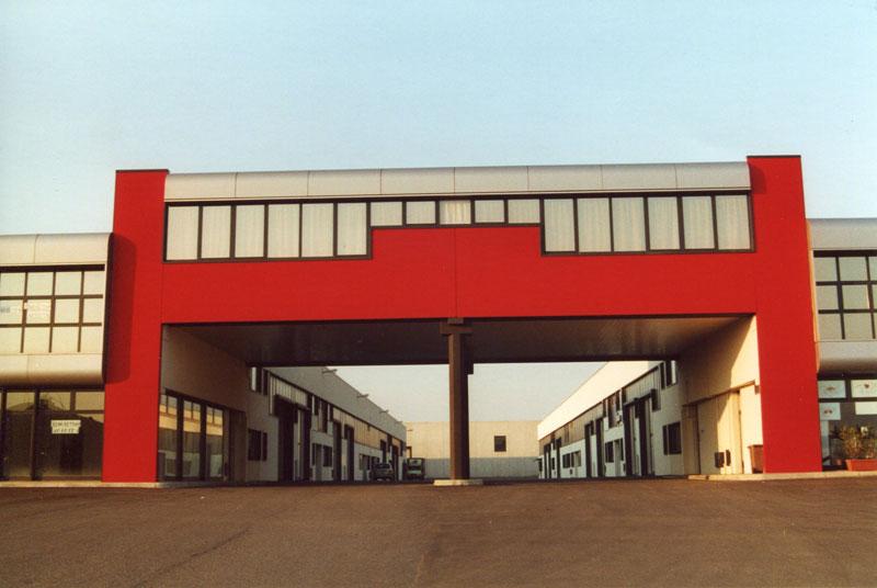 Azienda di progettazione impianti completi di verniciatura for Progetta i tuoi piani di costruzione